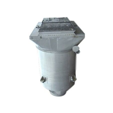 Hoppers, Bins, Silos - Item 02259