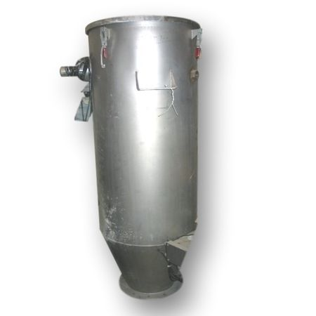 Hoppers, Bins, Silos - Item 02925