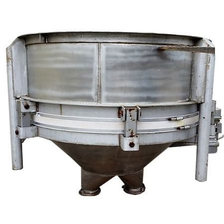 Hoppers, Bins, Silos - Item 06688