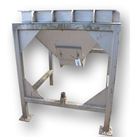 Hoppers, Bins, Silos - Item 07242