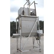 80 CUBIC FOOT STAINLESS STEEL WEIGH BIN WITH SCREW CONVEYOR DISCHARGE
