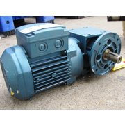 UNUSED SEW-EURODRIVE RIGHT ANGLE GEAR REDUCER WITH 0.25 KW MOTOR