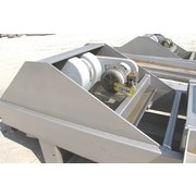 "USED KEY TECHNOLOGY 24""W X 15'L VIBRATORY CONVEYOR DISTRIBUTION SHAKER"