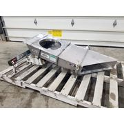 "Used 15"" W x 30"" Long Stainless Syntron Magnetic Feeder - F212-B"