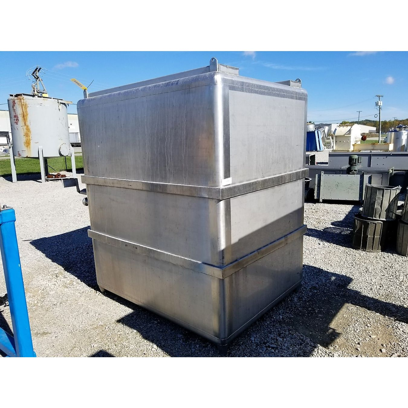Used Water Tanks For Sale >> Used 1 260 Gallon Stainless Steel Tank For Sale Buy And Sell